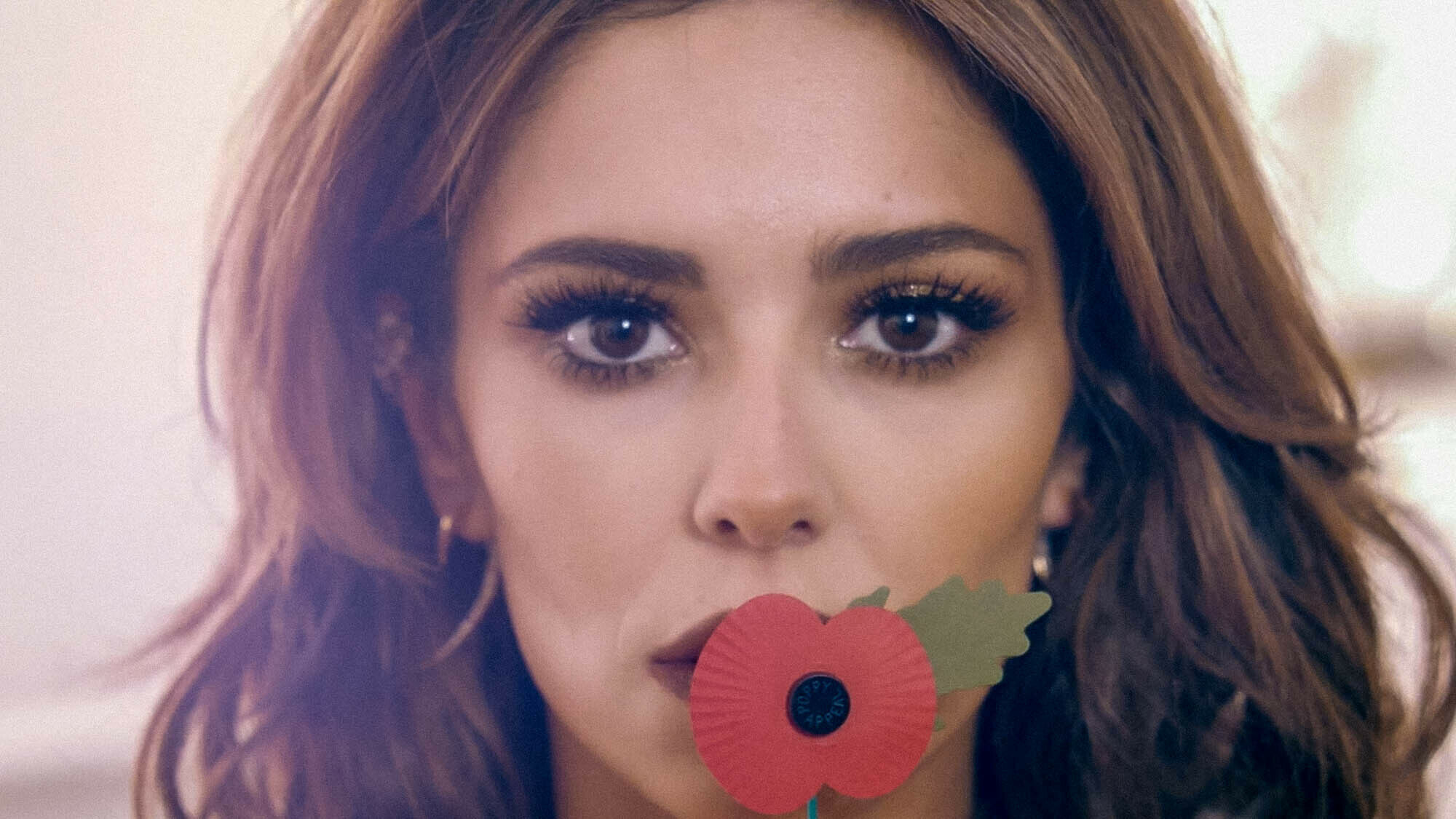 Cheryl Cole raises awareness of the Poppy Appeal